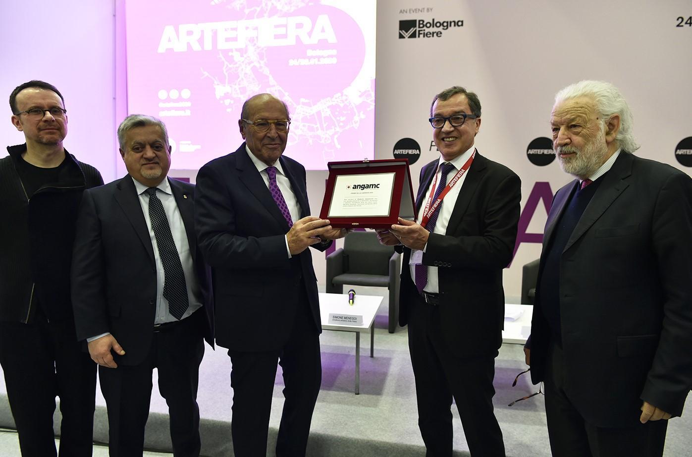 PREMIO ANGAMC 2020 A ROBERTO CASAMONTI DURANTE ARTE FIERA BOLOGNA